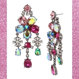 NWT Fairytale Dreams Chandelier Earrings